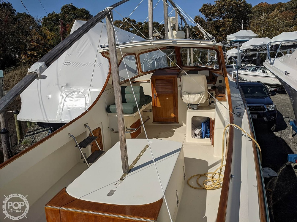 1999 Hinckley boat for sale, model of the boat is 36 Picnic & Image # 4 of 40
