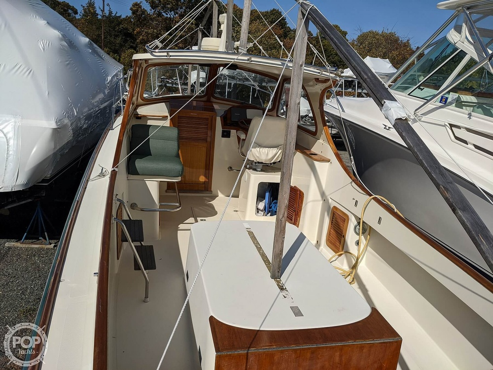 1999 Hinckley boat for sale, model of the boat is 36 Picnic & Image # 6 of 40