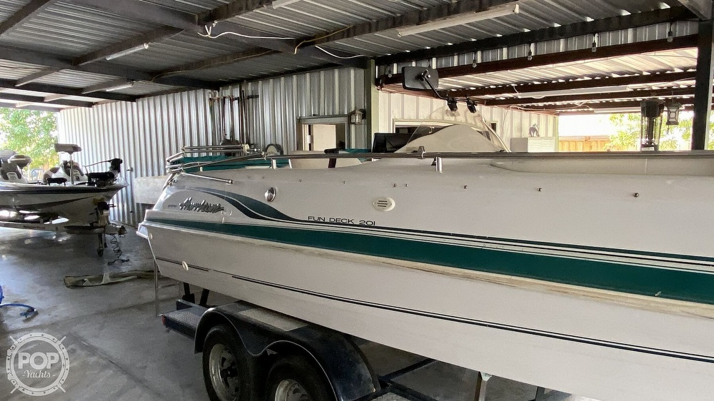 2000 Hurricane boat for sale, model of the boat is Fun Deck 201 & Image # 14 of 31
