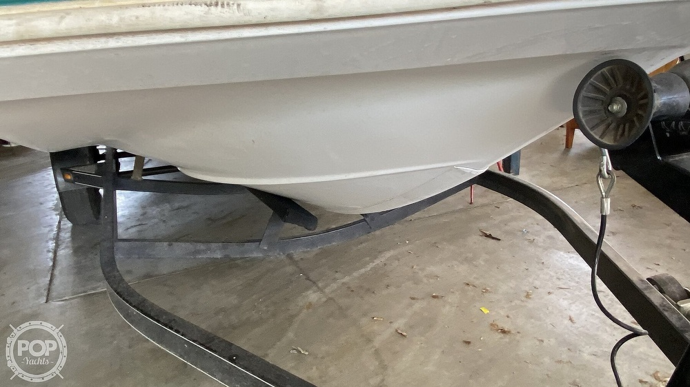 2000 Hurricane boat for sale, model of the boat is Fun Deck 201 & Image # 15 of 31