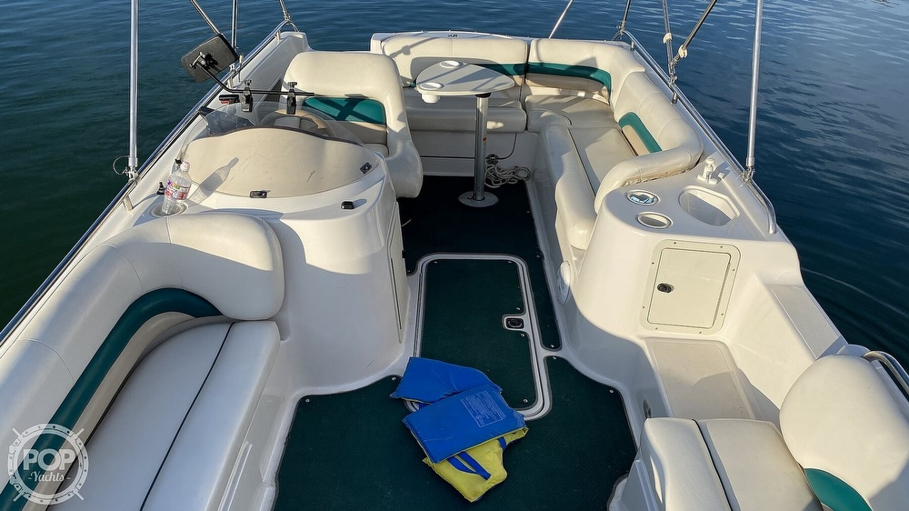 2000 Hurricane boat for sale, model of the boat is Fun Deck 201 & Image # 21 of 31