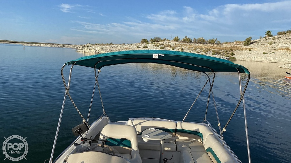 2000 Hurricane boat for sale, model of the boat is Fun Deck 201 & Image # 22 of 31