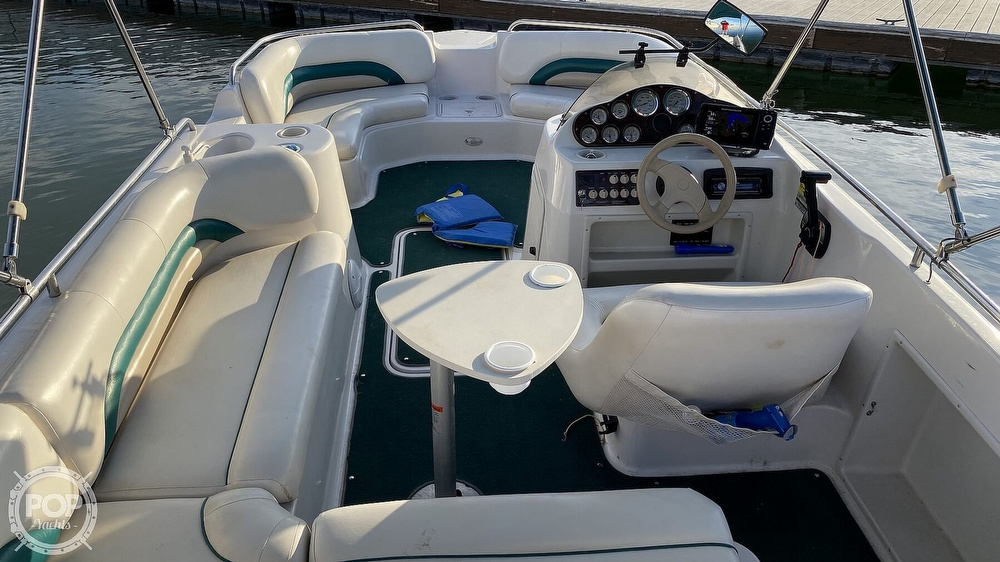 2000 Hurricane boat for sale, model of the boat is Fun Deck 201 & Image # 24 of 31
