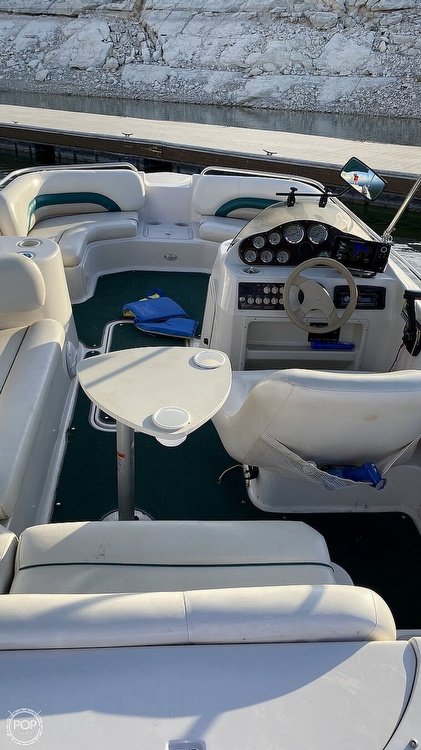 2000 Hurricane boat for sale, model of the boat is Fun Deck 201 & Image # 25 of 31