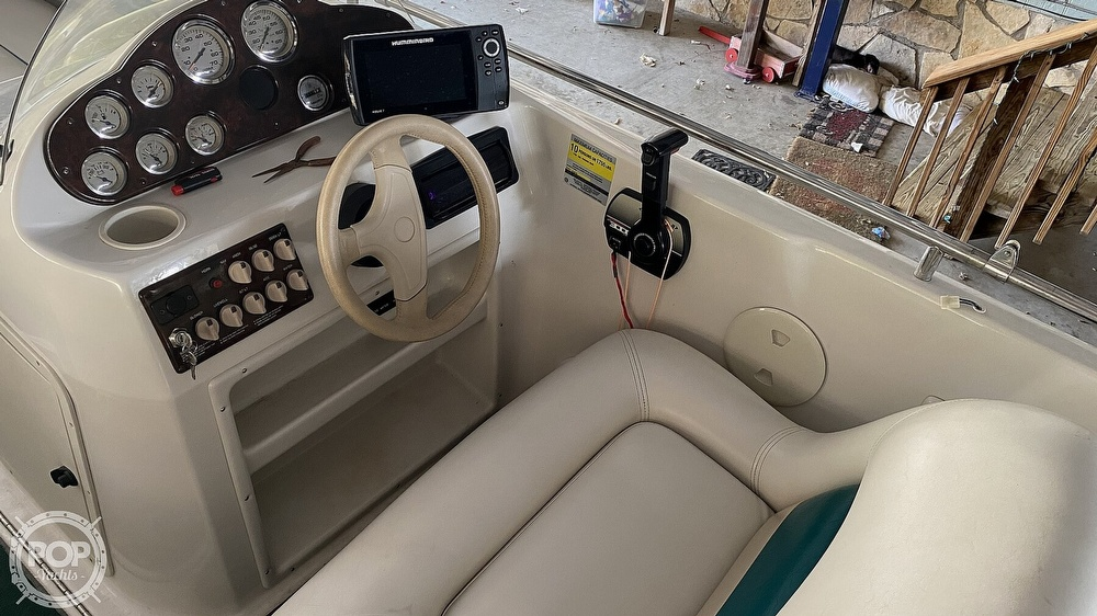2000 Hurricane boat for sale, model of the boat is Fun Deck 201 & Image # 28 of 31