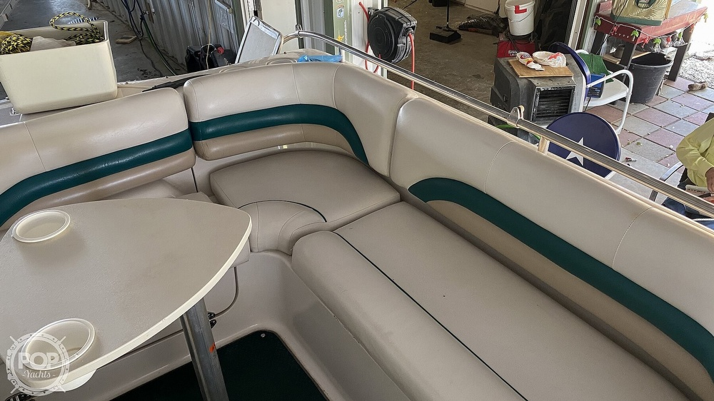 2000 Hurricane boat for sale, model of the boat is Fun Deck 201 & Image # 30 of 31