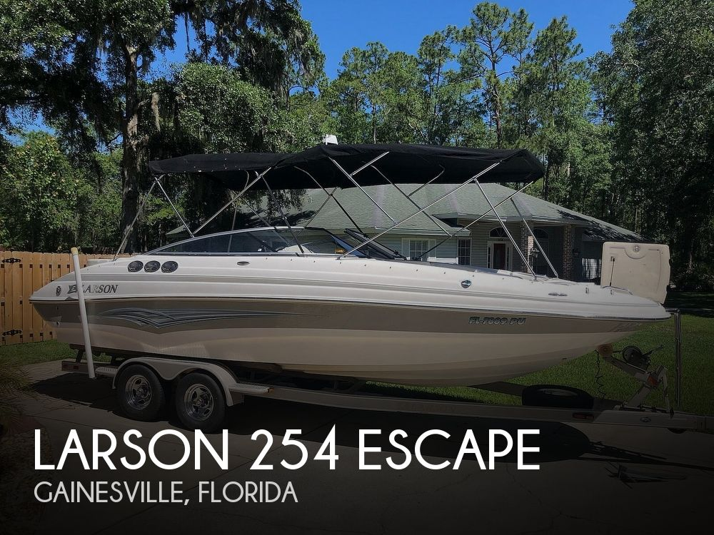 Used Larson Deck Boats For Sale by owner | 2007 Larson 254 Escape