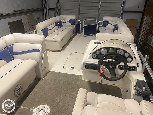 2009 Hurricane boat for sale, model of the boat is 236RE & Image # 10 of 27