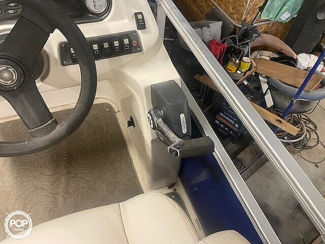 2009 Hurricane boat for sale, model of the boat is 236RE & Image # 12 of 27