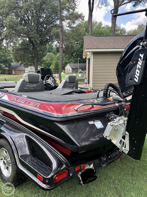 2017 Skeeter boat for sale, model of the boat is FX20 & Image # 20 of 24