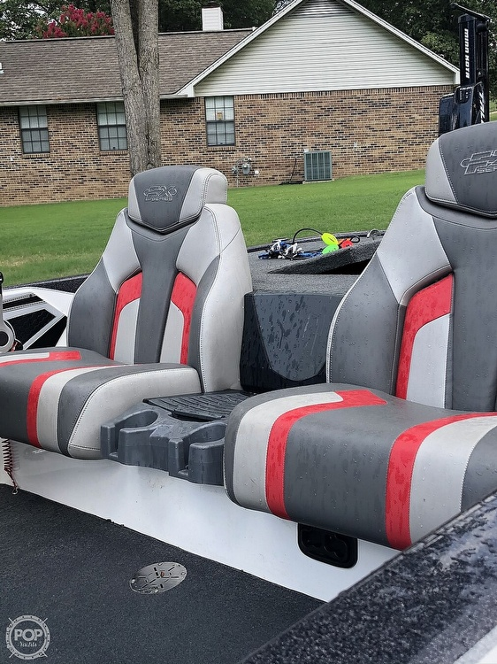 2017 Skeeter boat for sale, model of the boat is FX20 & Image # 6 of 24