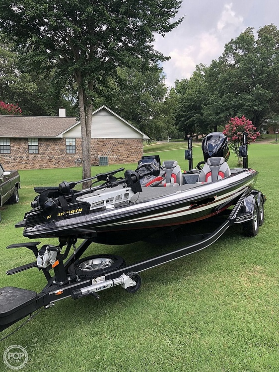 2017 Skeeter boat for sale, model of the boat is FX20 & Image # 15 of 24