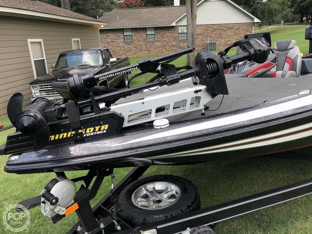 2017 Skeeter boat for sale, model of the boat is FX20 & Image # 22 of 24