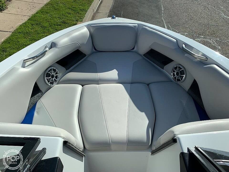 2017 Axis boat for sale, model of the boat is T22 & Image # 25 of 40