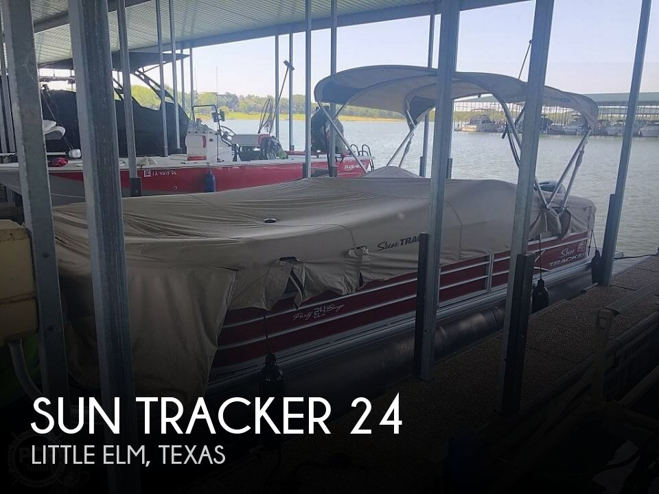 Used Tracker Boats For Sale in Texas by owner | 2019 Sun Tracker 24 xl barge