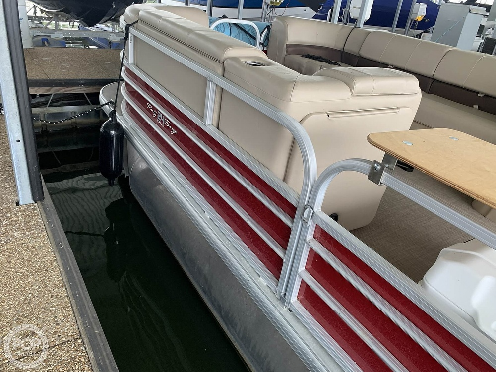 2019 Sun Tracker boat for sale, model of the boat is Party Barge 24 DXL & Image # 19 of 40