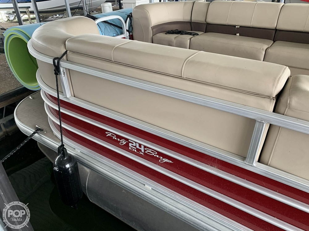 2019 Sun Tracker boat for sale, model of the boat is Party Barge 24 DXL & Image # 23 of 40