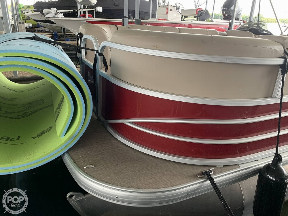 2019 Sun Tracker boat for sale, model of the boat is Party Barge 24 DXL & Image # 26 of 40