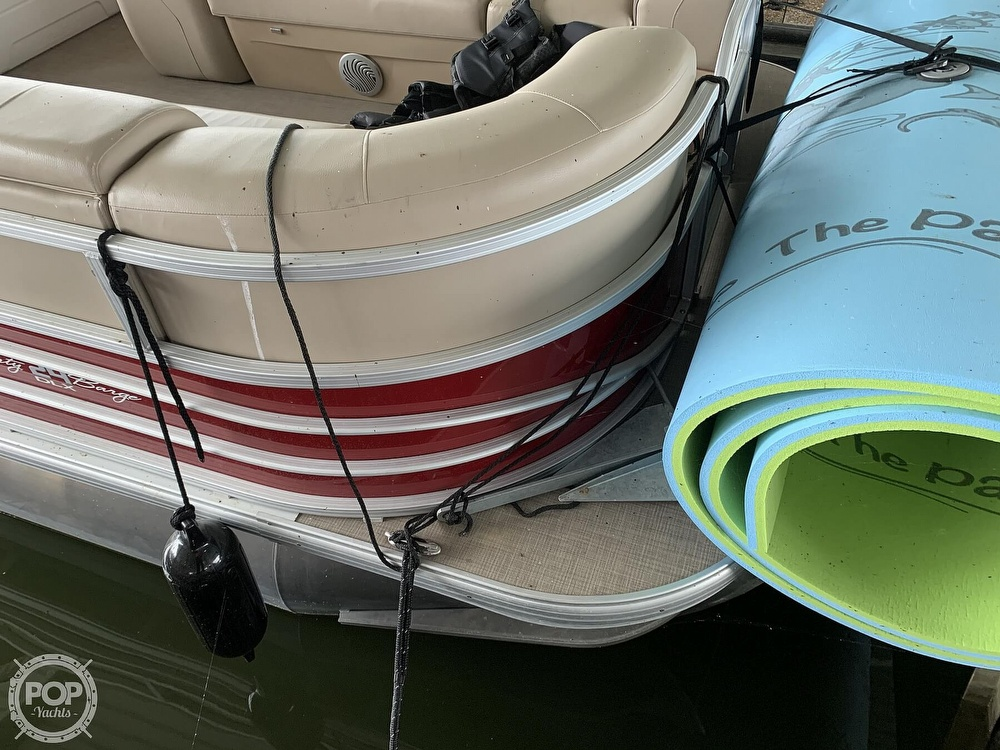 2019 Sun Tracker boat for sale, model of the boat is Party Barge 24 DXL & Image # 29 of 40