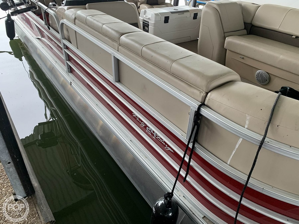 2019 Sun Tracker boat for sale, model of the boat is Party Barge 24 DXL & Image # 30 of 40