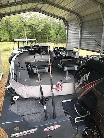 2019 Tracker Boats boat for sale, model of the boat is V-16SC Pro-Guide & Image # 7 of 14