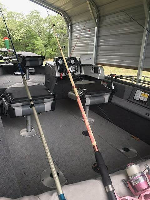 2019 Tracker Boats boat for sale, model of the boat is V-16SC Pro-Guide & Image # 8 of 14