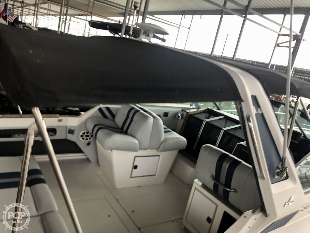 1988 Sea Ray boat for sale, model of the boat is 340 Express Cruiser & Image # 33 of 40