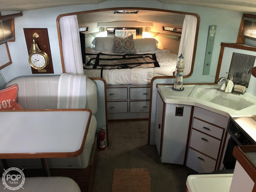 1988 Sea Ray boat for sale, model of the boat is 340 Express Cruiser & Image # 3 of 40