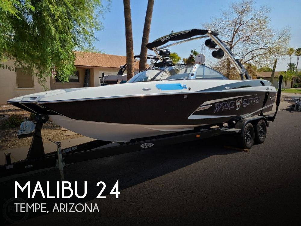 2013 Malibu boat for sale, model of the boat is 24 MXZ Wakesetter & Image # 1 of 40
