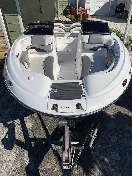 2008 Yamaha boat for sale, model of the boat is 212 SS & Image # 3 of 7