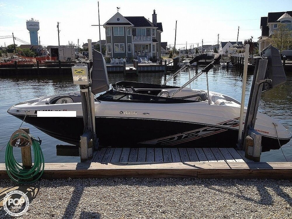 2008 Yamaha boat for sale, model of the boat is 212 SS & Image # 5 of 7