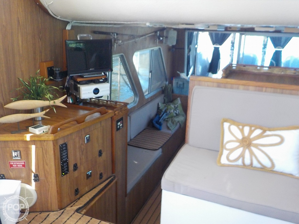 1987 Holiday Mansion boat for sale, model of the boat is 38 Coastal Barracuda & Image # 10 of 40