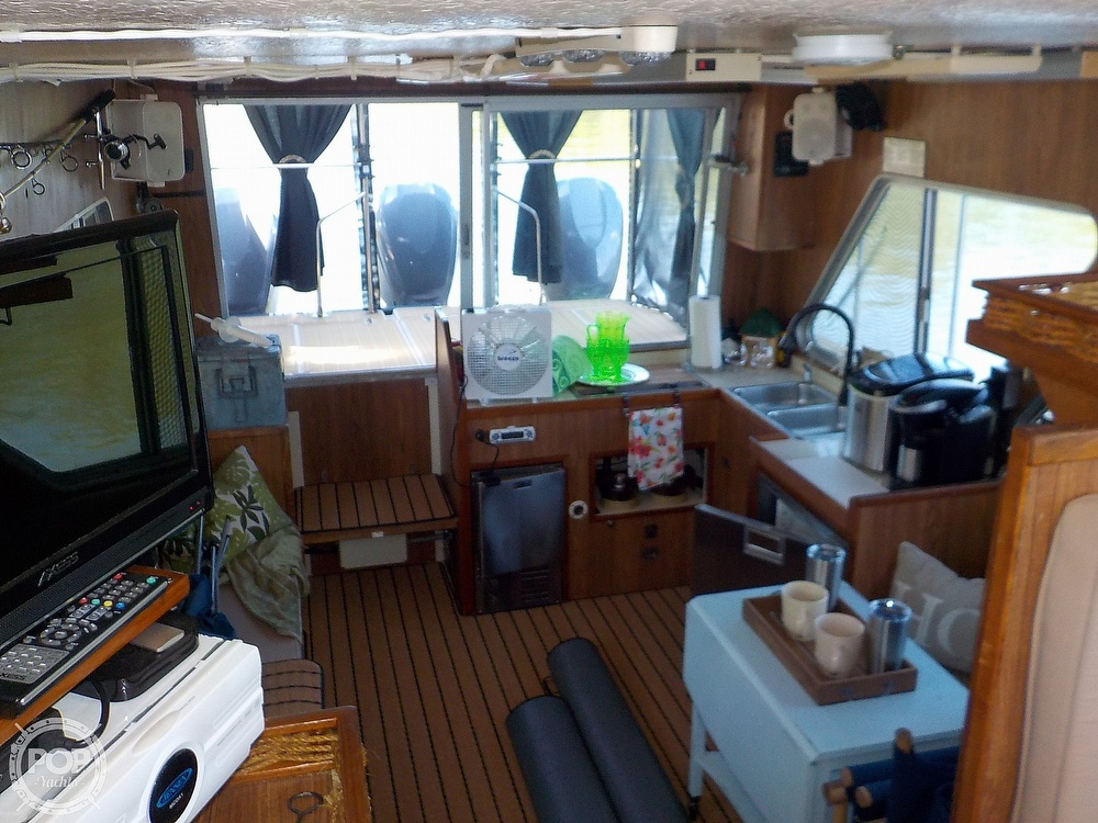 1987 Holiday Mansion boat for sale, model of the boat is 38 Coastal Barracuda & Image # 11 of 40