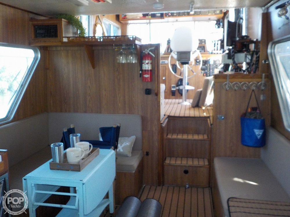 1987 Holiday Mansion boat for sale, model of the boat is 38 Coastal Barracuda & Image # 14 of 40