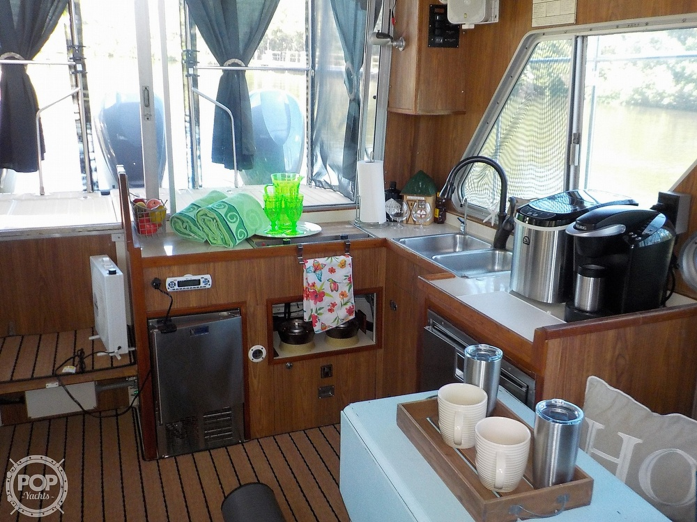 1987 Holiday Mansion boat for sale, model of the boat is 38 Coastal Barracuda & Image # 15 of 40