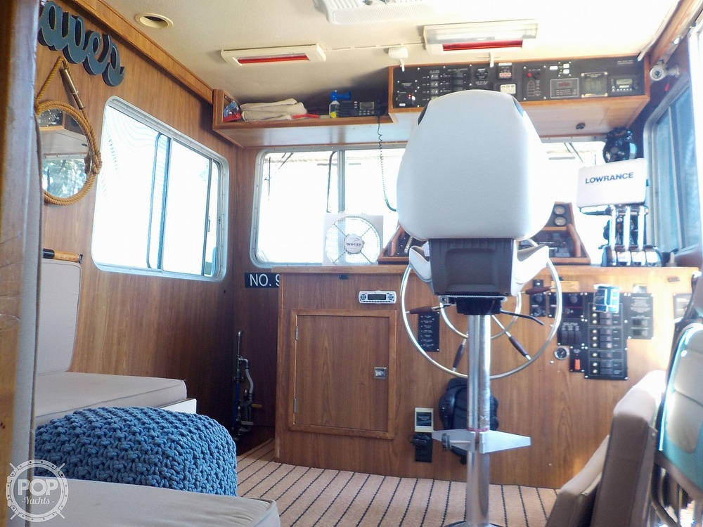 1987 Holiday Mansion boat for sale, model of the boat is 38 Coastal Barracuda & Image # 16 of 40