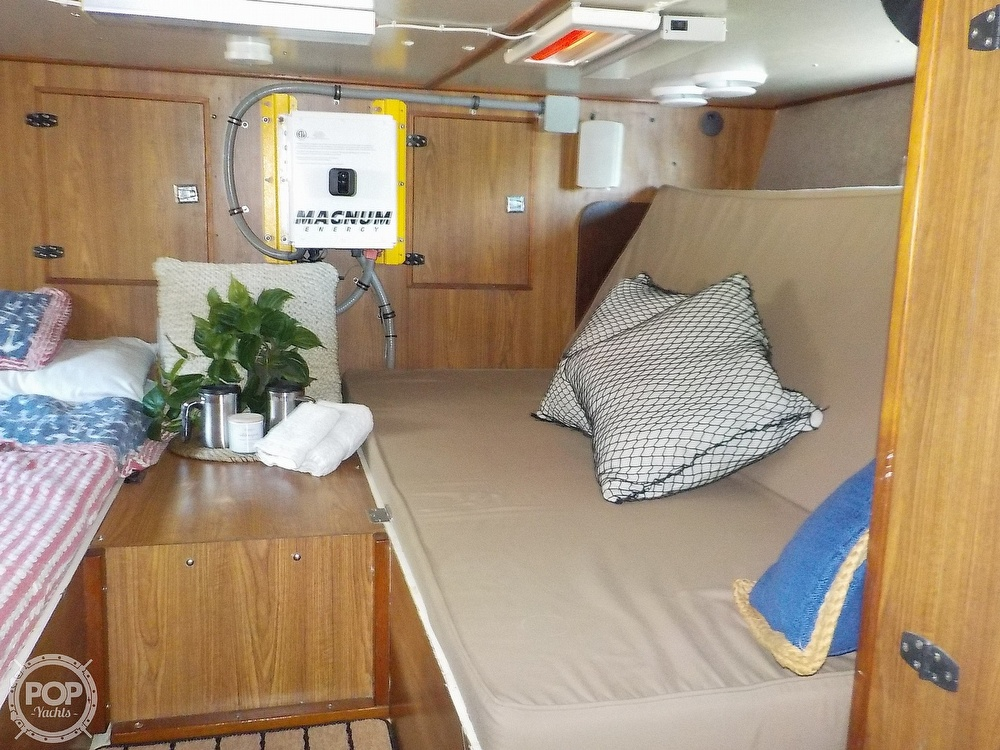 1987 Holiday Mansion boat for sale, model of the boat is 38 Coastal Barracuda & Image # 24 of 40