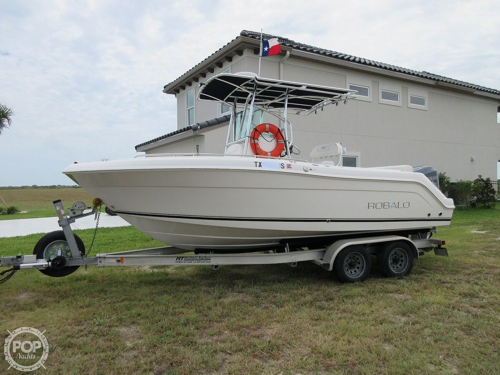 2010 Robalo boat for sale, model of the boat is R220 & Image # 23 of 40