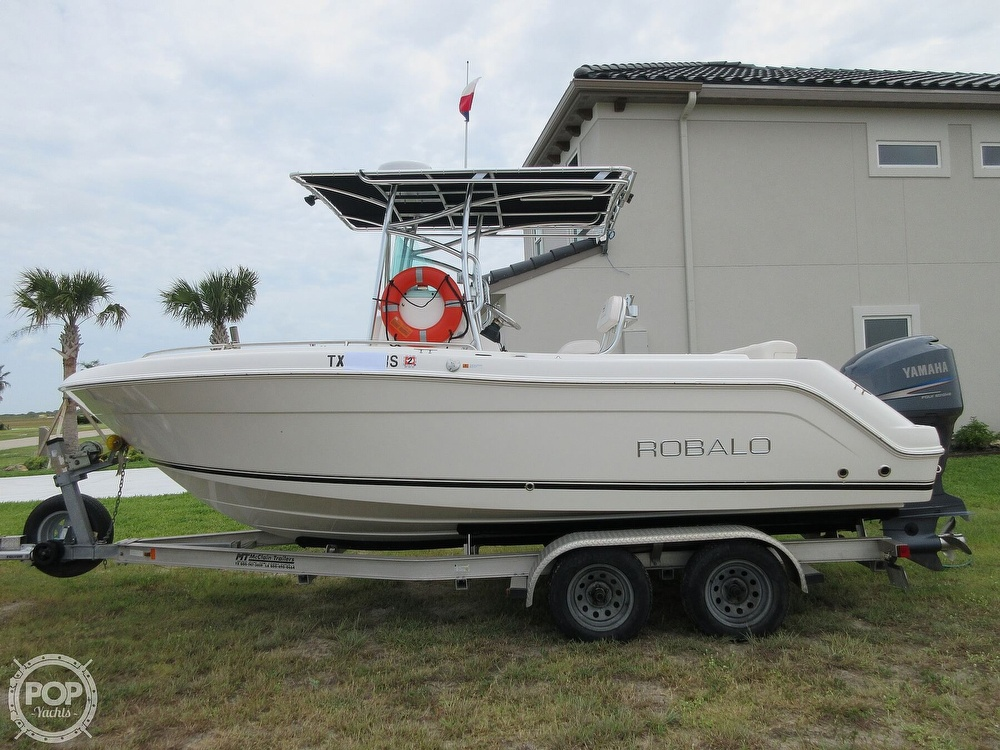 2010 Robalo boat for sale, model of the boat is R220 & Image # 24 of 40