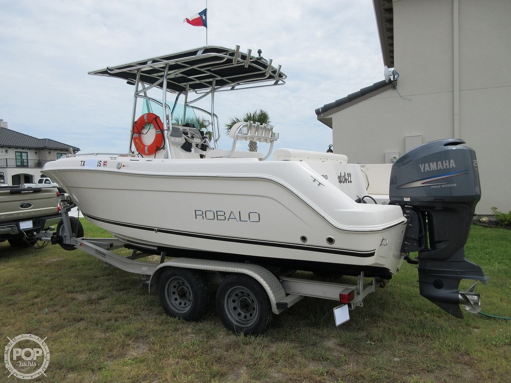2010 Robalo boat for sale, model of the boat is R220 & Image # 25 of 40