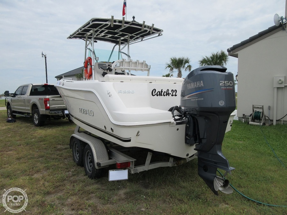 2010 Robalo boat for sale, model of the boat is R220 & Image # 26 of 40