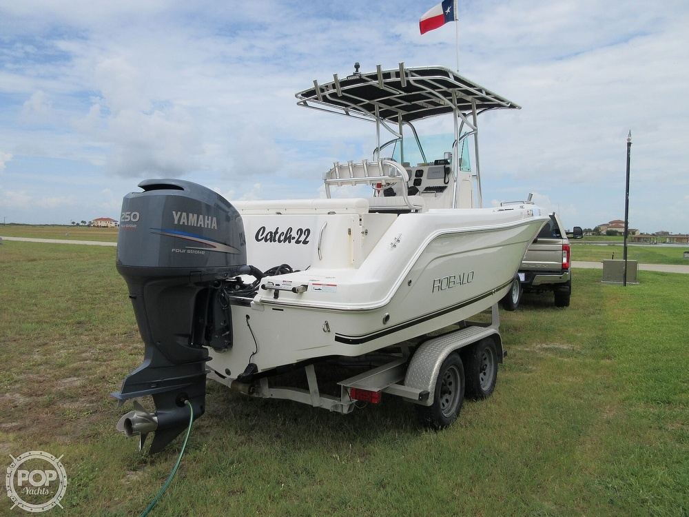 2010 Robalo boat for sale, model of the boat is R220 & Image # 28 of 40