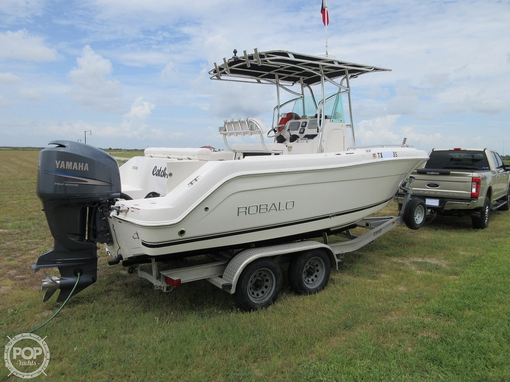 2010 Robalo boat for sale, model of the boat is R220 & Image # 29 of 40
