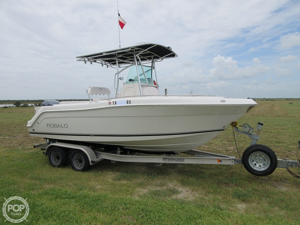 2010 Robalo boat for sale, model of the boat is R220 & Image # 31 of 40