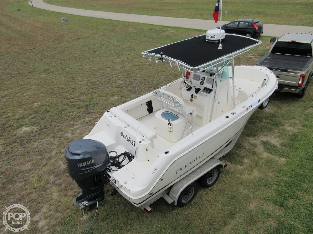 2010 Robalo boat for sale, model of the boat is R220 & Image # 4 of 40