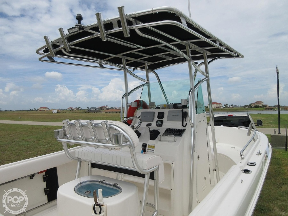 2010 Robalo boat for sale, model of the boat is R220 & Image # 6 of 40