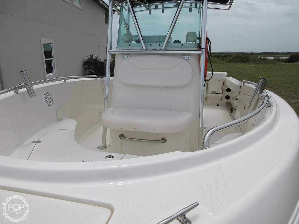 2010 Robalo boat for sale, model of the boat is R220 & Image # 5 of 40