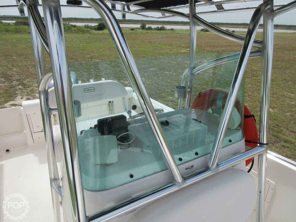 2010 Robalo boat for sale, model of the boat is R220 & Image # 14 of 40