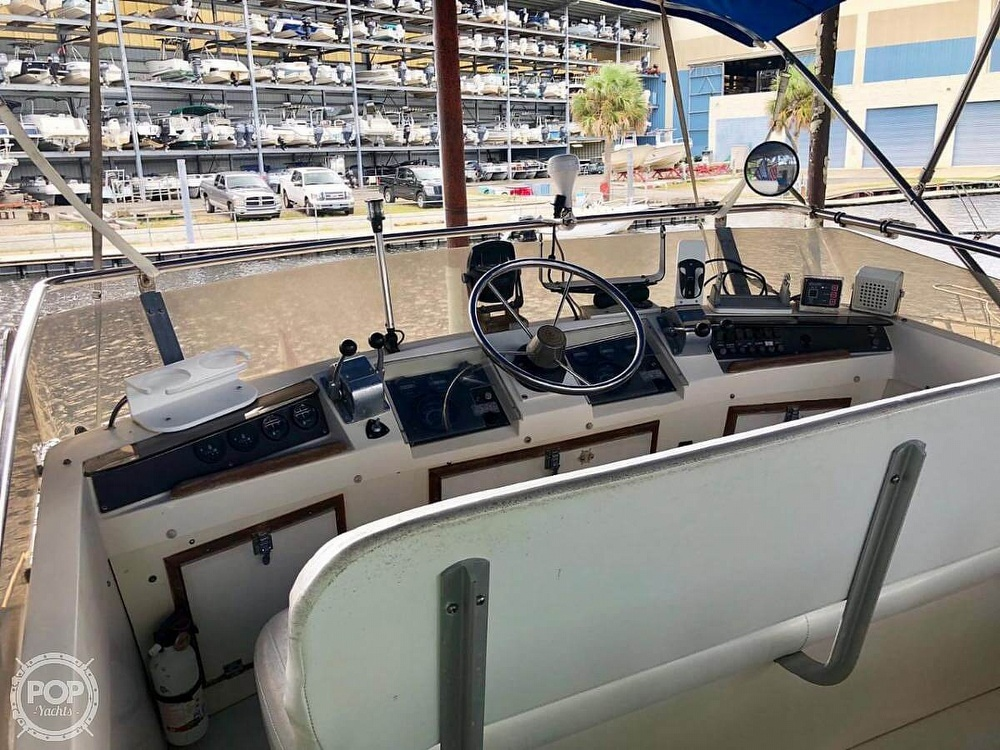 1982 Phoenix boat for sale, model of the boat is 29 & Image # 3 of 17