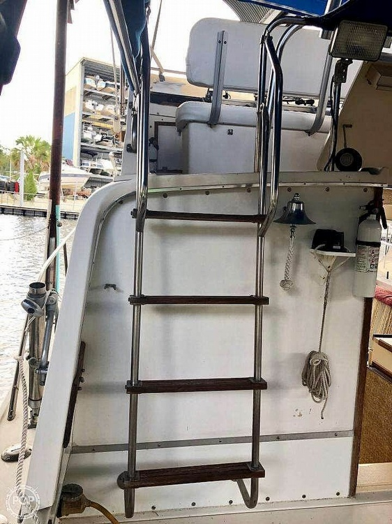 1982 Phoenix boat for sale, model of the boat is 29 & Image # 4 of 17